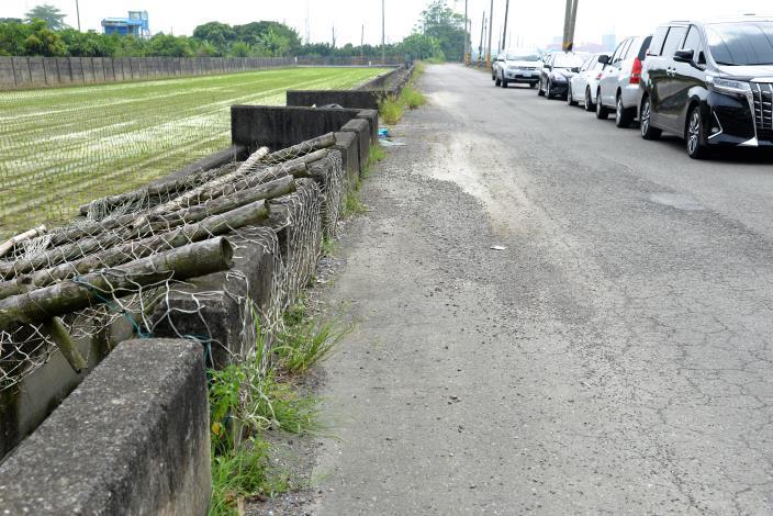 六市久安農地重劃區H38農路路面改善工程,重新鋪設AC路面長度600公尺、寬度6.5公尺。