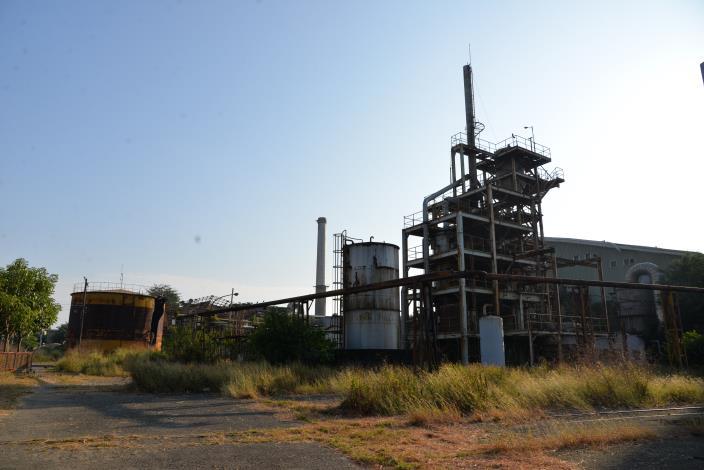 為達活化閒置土地及北港糖廠歷史建築保存之目的,將北港糖廠北側原屬都市計畫整體開發區約13公頃範圍,擴大至22公頃,以整體性、系統性的規劃開發思維,保留北港糖廠建築及地景意象,導入糖業文化主題之規劃構想,發展「北港糖文化藝術生活美學園區」。