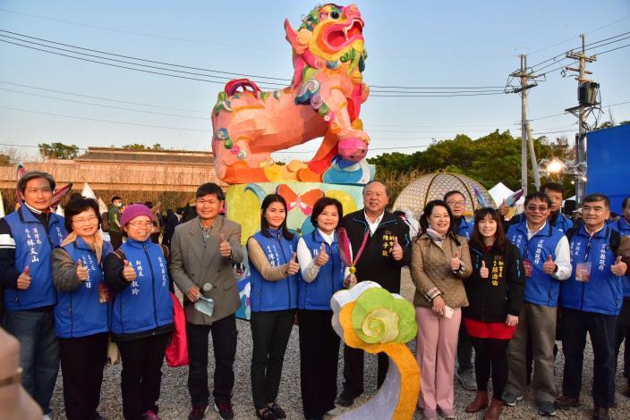2020台灣燈會-雲林主題燈區8日由縣長張麗善偕同縣府一級主管正式啟燈,不僅展示雲林在農業與文化的優勢,也傳遞雲林是燈會原鄉,更是工藝原鄉之精神。
