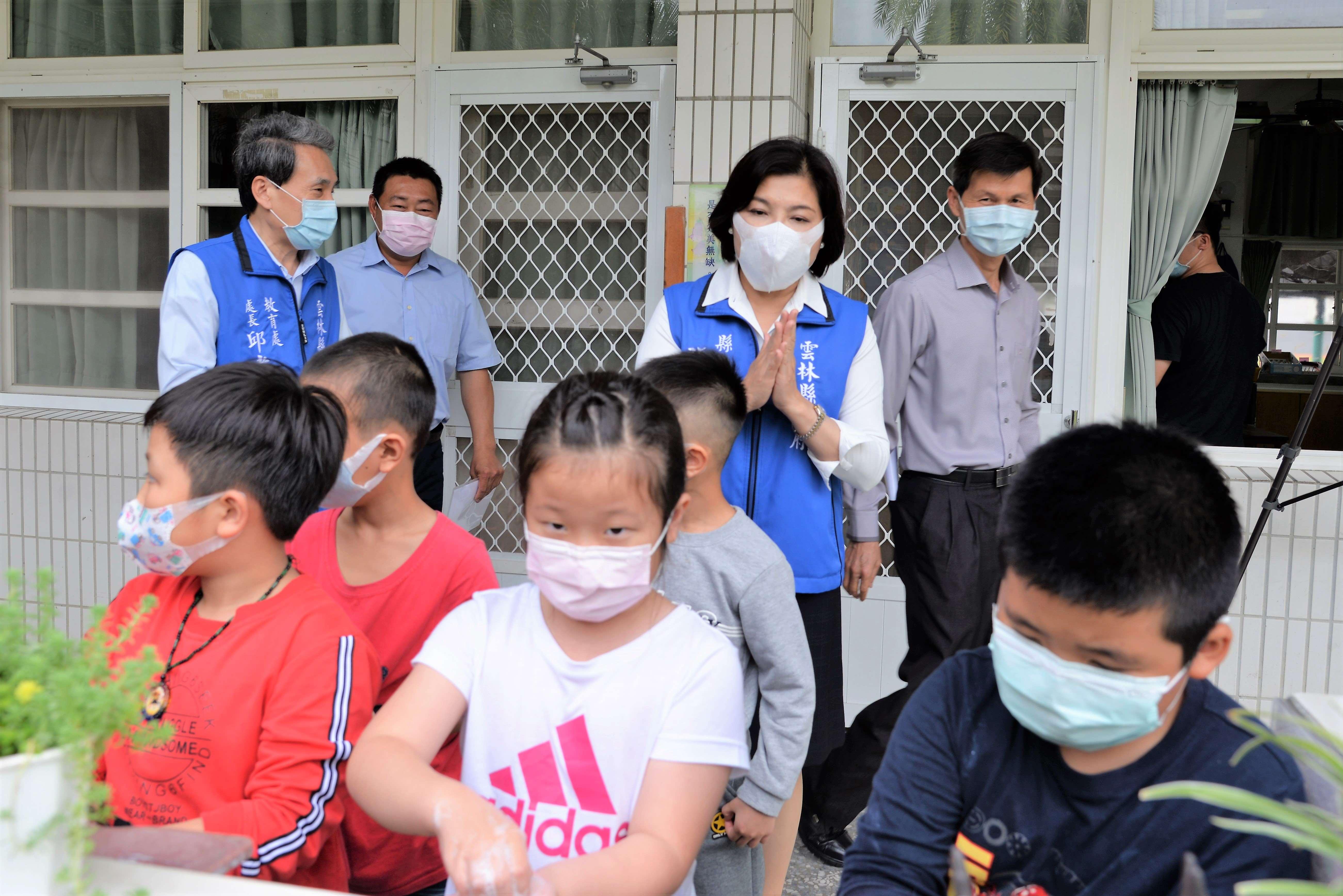 防疫期間提升學童免疫力 張麗善巡視校園營養午餐及防疫作為