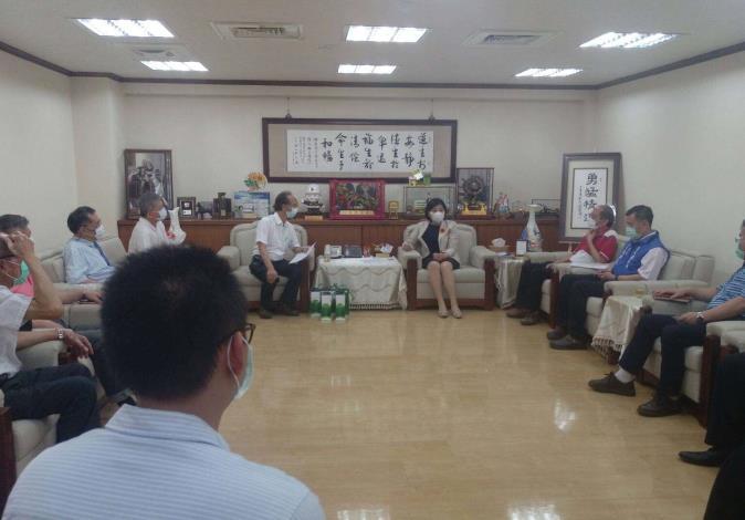 台灣農業機械暨資材協會及台灣農業設施協會拜訪張縣長,洽談辦理農機展相關事宜。