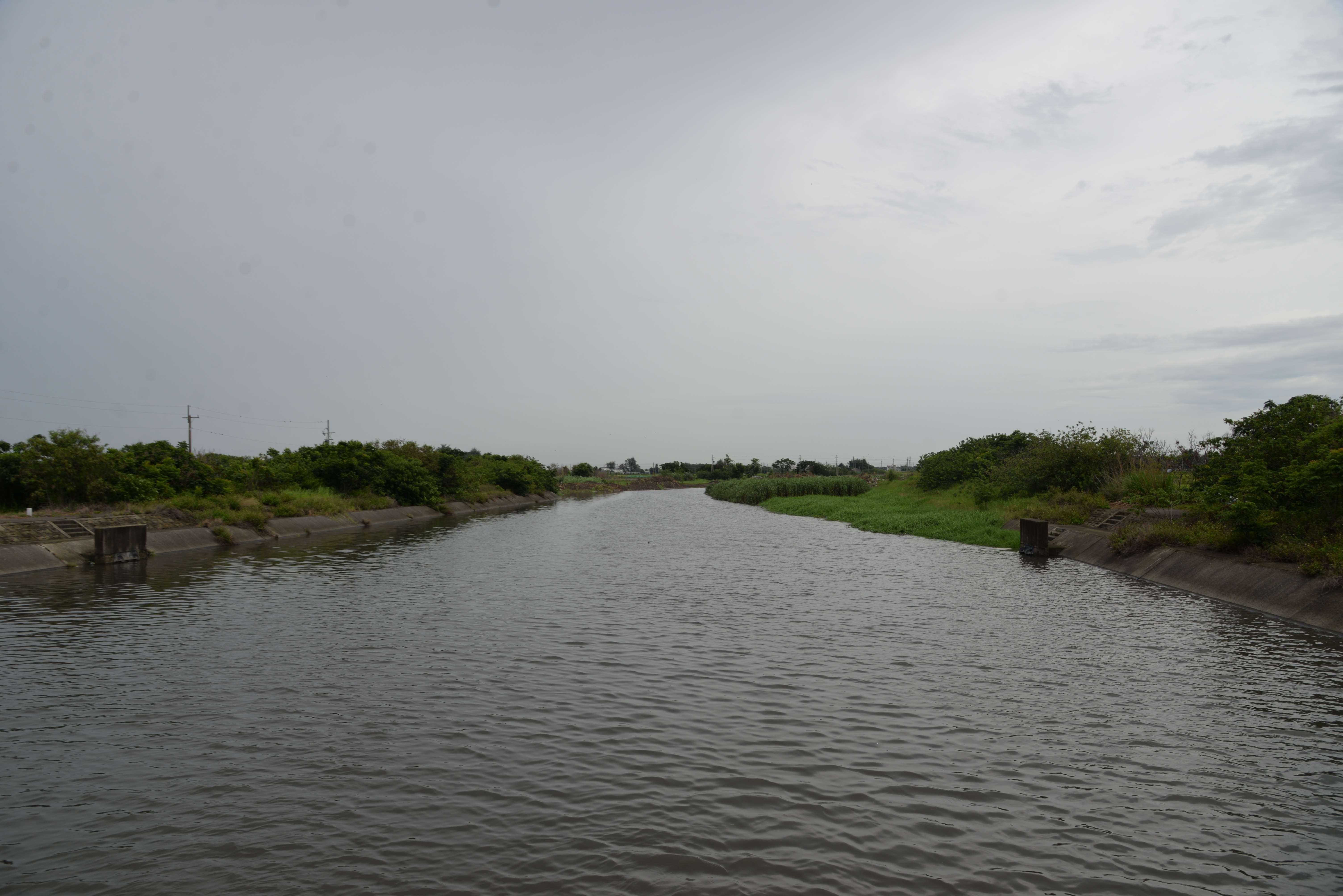「牛挑灣溪排水牛挑灣橋下游治理工程」,將在水林鄉及四湖鄉牛挑灣溪興建堤防、改善排水路。