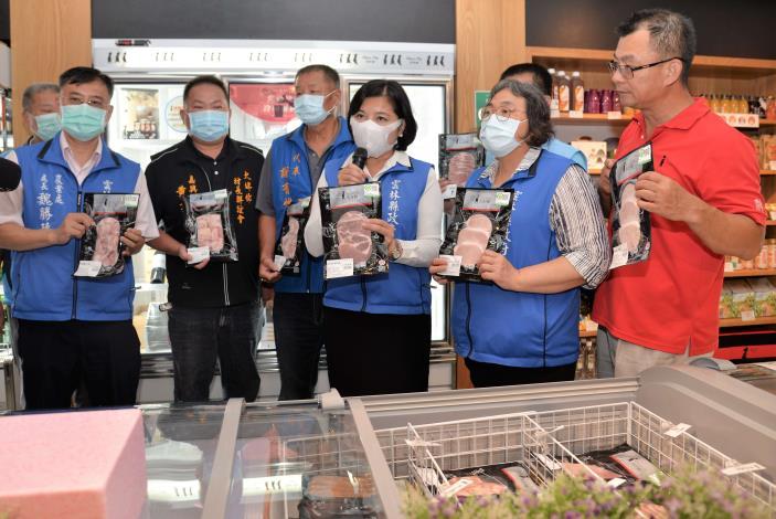 捍衛縣民健康及豬農權益  張麗善宣示雲林縣營養午餐禁用瘦肉精 再推專屬零瘦肉精牧場及餐廳認證標章