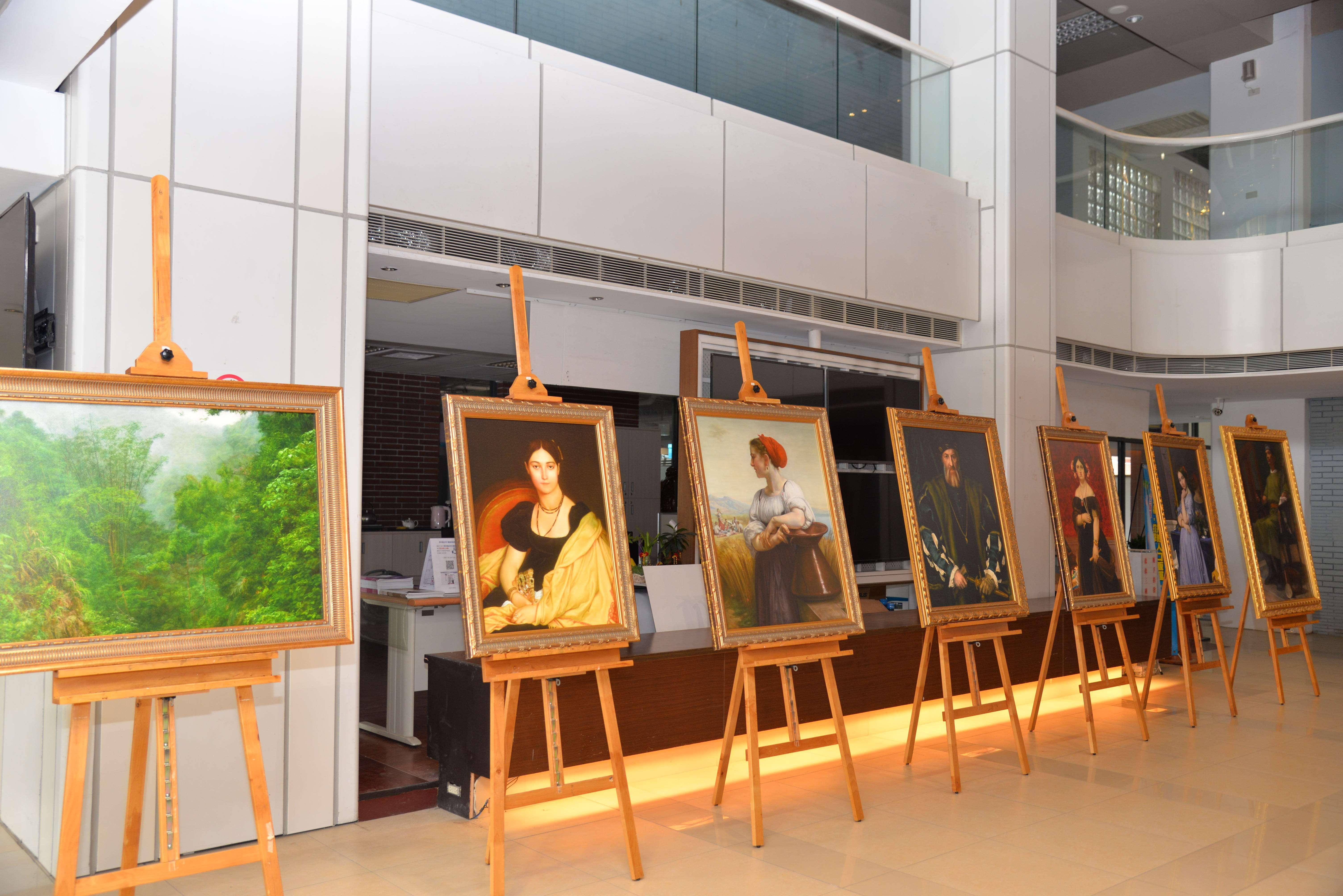 蔦松藝術高中本次參展42幅水彩及素描作品