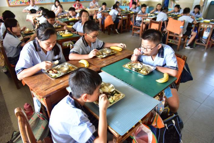 學生於食物日享用美味的營養午餐