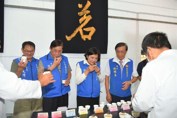 張縣長率縣府團隊參訪南投茶博 為雲林宣傳「台灣咖啡節」及「雲林咖啡半程馬拉松」012