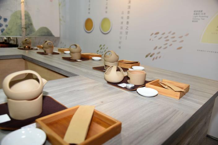 張縣長率縣府團隊參訪南投茶博 為雲林宣傳「台灣咖啡節」及「雲林咖啡半程馬拉松」011