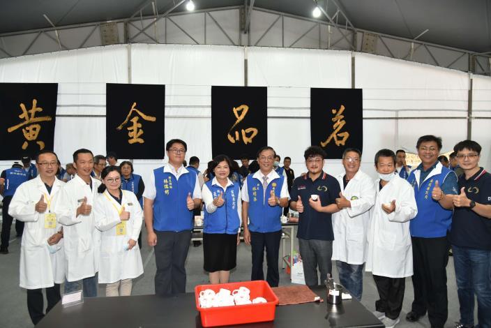張縣長率縣府團隊參訪南投茶博 為雲林宣傳「台灣咖啡節」及「雲林咖啡半程馬拉松」014