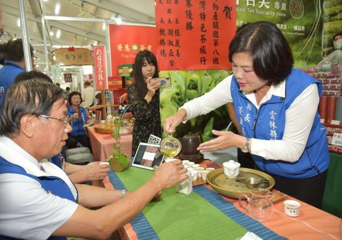 張縣長率縣府團隊參訪南投茶博 為雲林宣傳「台灣咖啡節」及「雲林咖啡半程馬拉松」004