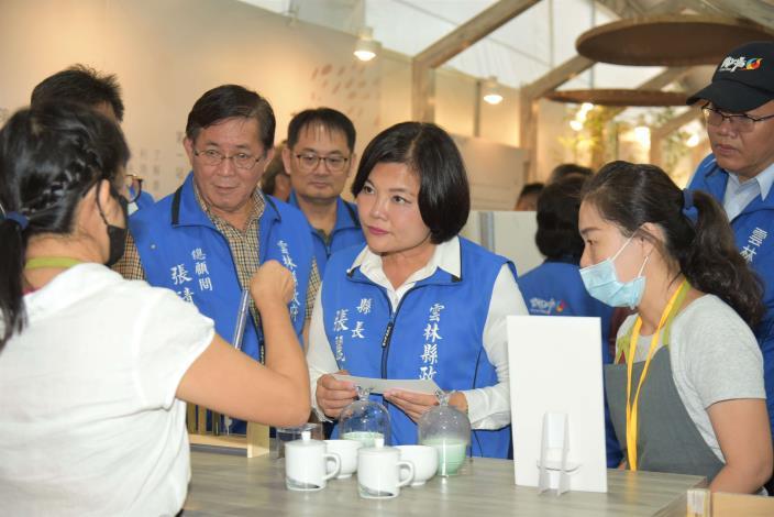 張縣長率縣府團隊參訪南投茶博 為雲林宣傳「台灣咖啡節」及「雲林咖啡半程馬拉松」007