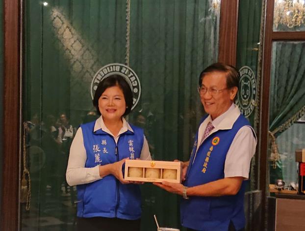 張縣長率縣府團隊參訪南投茶博 為雲林宣傳「台灣咖啡節」及「雲林咖啡半程馬拉松」016