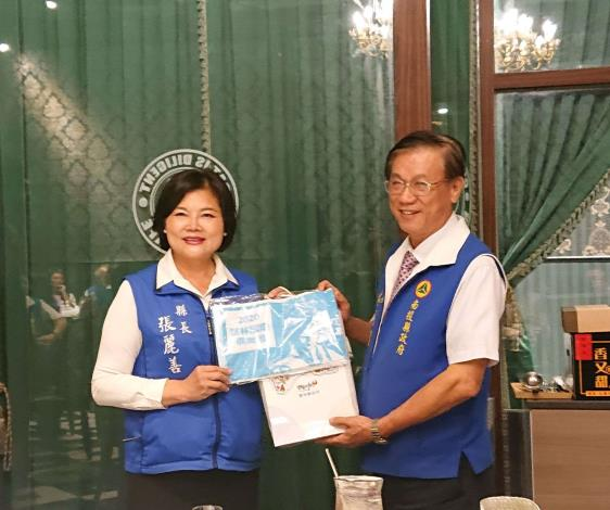 張縣長率縣府團隊參訪南投茶博 為雲林宣傳「台灣咖啡節」及「雲林咖啡半程馬拉松」017