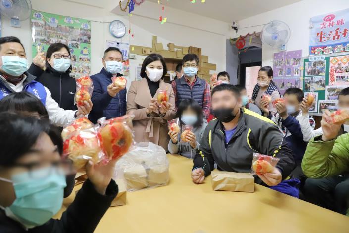 雲林元旦健走活動取消,3000份早餐轉贈弱勢團體,分享慶祝元旦喜悅。