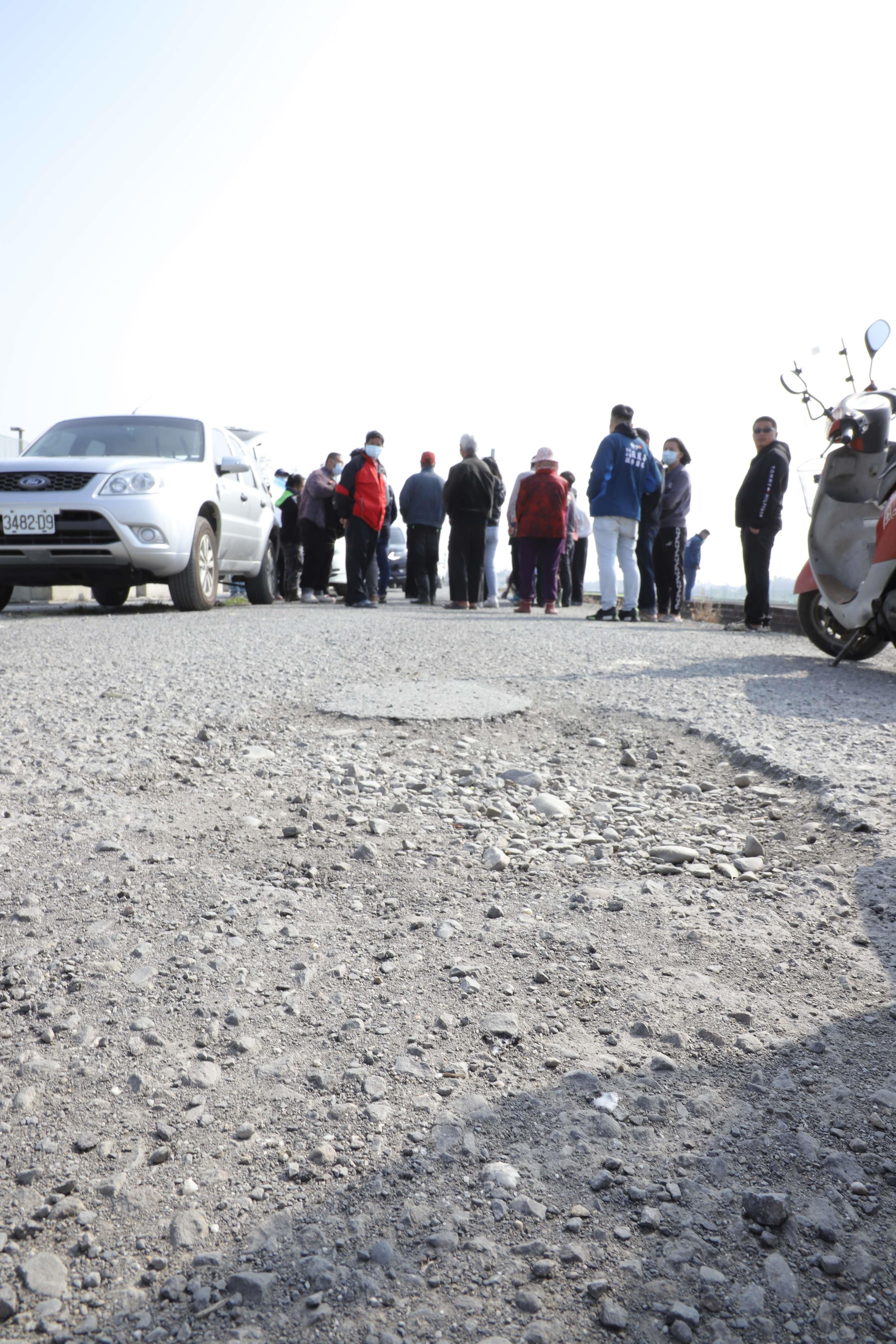 崙背、二崙等地多處農路破損嚴重,地方盼改善。