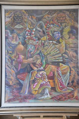 蘇俊碩老師是油畫工藝師,透過彩畫臨摹廟會及生活美景的自學方式,將地方的特殊美感表現淋漓盡致
