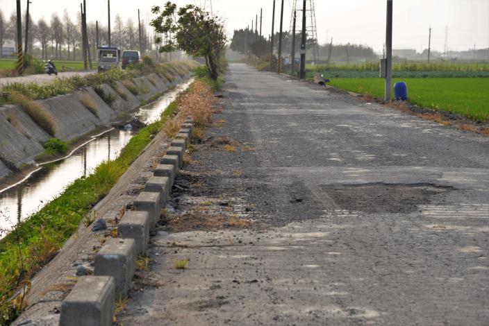 北港鎮後溝子(一)農地重劃區福德段689等地號東西幹路二農路改善工程農路長度1,040公尺、寬6公尺,經費375萬元
