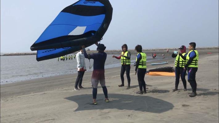 推廣水域安全教育 縣府結合風箏衝浪舉辦研習活動006