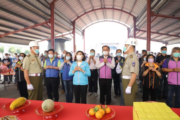張縣長今日至斗南、古坑、莿桐等地公墓巡視並祭拜地藏王菩薩。