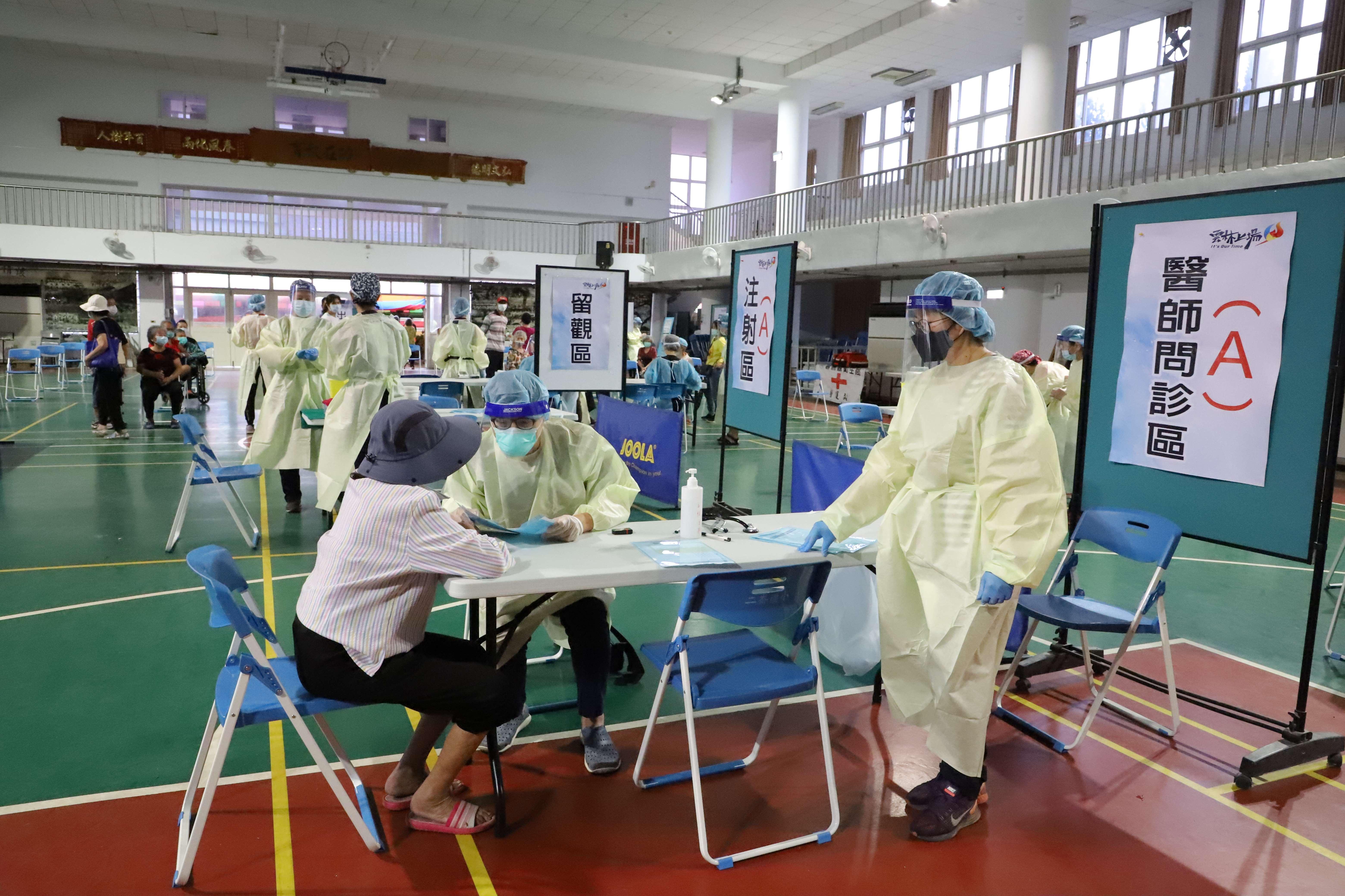 雲林縣第二波80歲以上長者今起施打疫苗。
