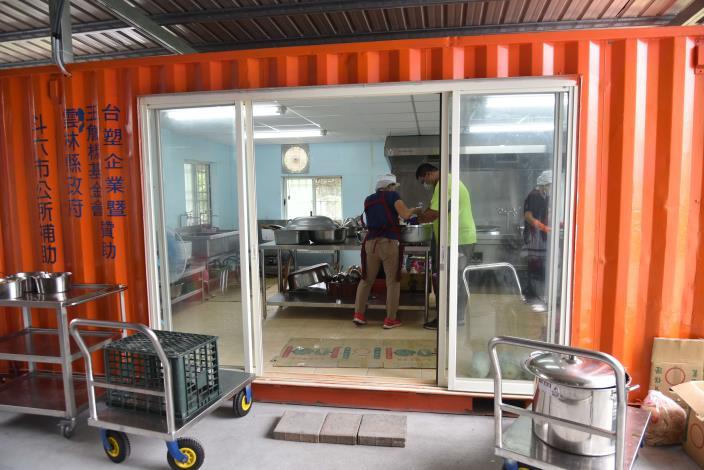 斗六市鎮西社區長青食堂廚房完工提供長輩熱騰騰的午餐