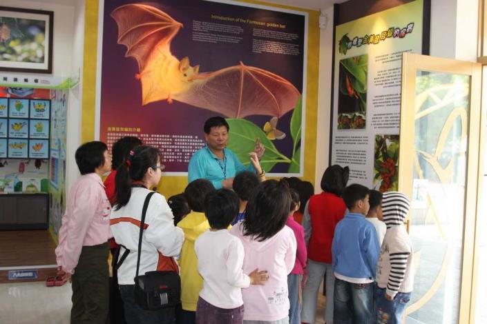 台灣永續聯盟負責解說導覽