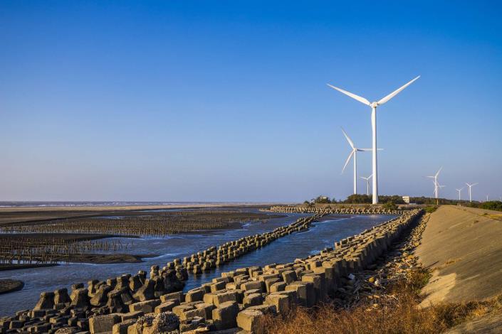 電力設備組佳作_王大豐-當風車遇見海
