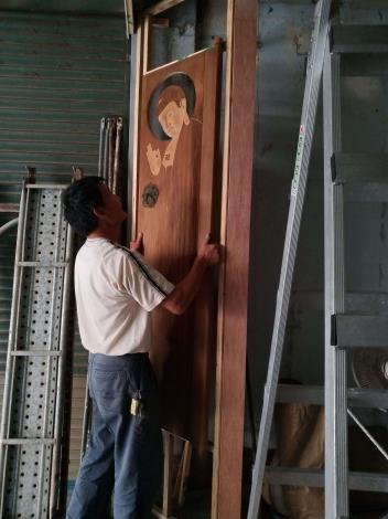 神山堂的入口意象裝置,由藝師陳明洲親自操刀創作
