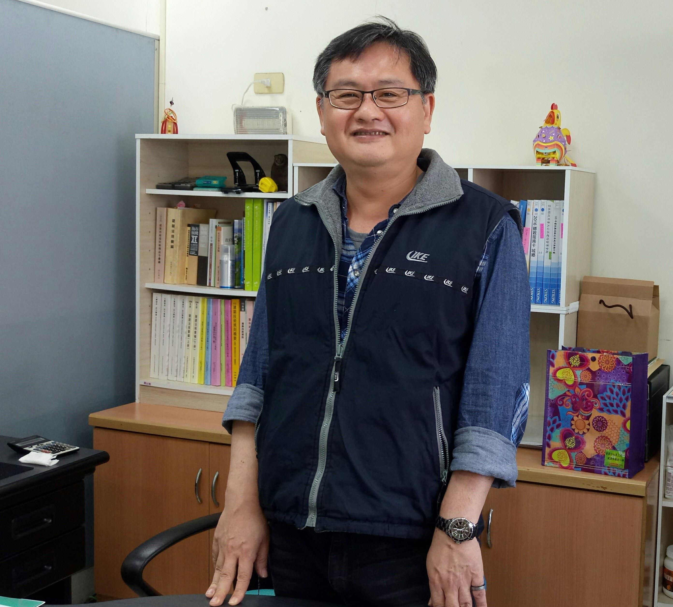 雲林縣政府城鄉發展處副處長劉以興.JPG