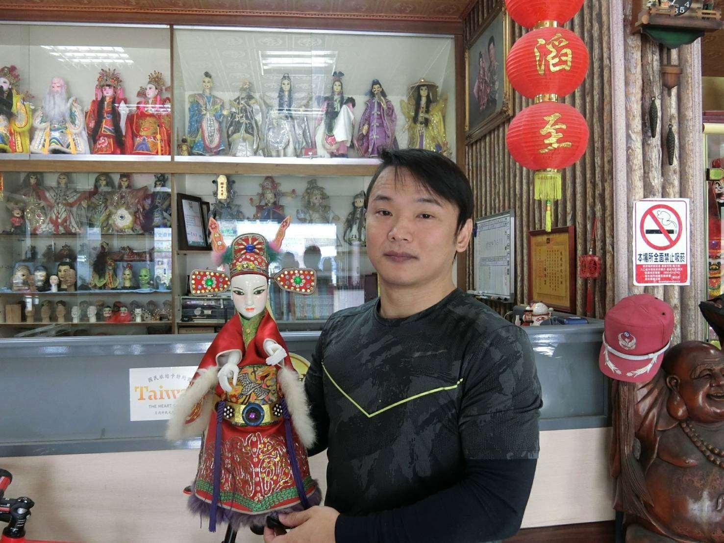 戲偶達人徐俊文(共三張)