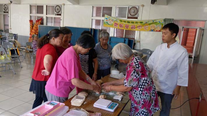 109-07-20 樂齡課程 : 樂齡烘培課-芭娜那核果 (九芎村活動中心)