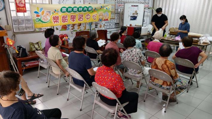 109-09-21 樂齡課程 : 樂齡烘培課 (林南活動中心)