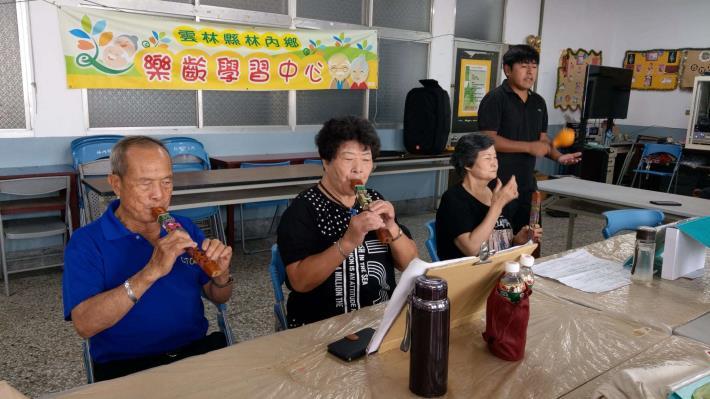 109-09-24.25 樂齡課程 : 銀髮吹作竹藝樂陶陶 (重興村、烏塗村活動中心)