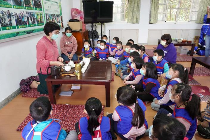 110-01-05 林內鄉立幼兒園大班主題課程 : 戶外教學