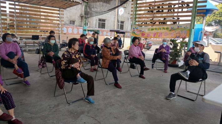 110-03-10 樂齡課程 : 銀髮體適能-規律運動 (坪頂活動中心)