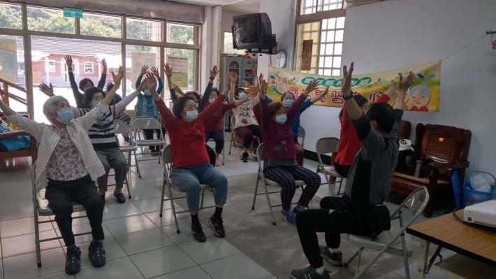 110-03-10 樂齡課程 : 銀髮體適能-規律運動 (林南活動中心)