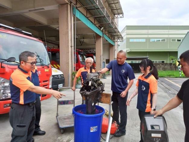 雲林縣消防局第一大隊斗南分隊辦理防溺、救災器材整備保養-保養過程