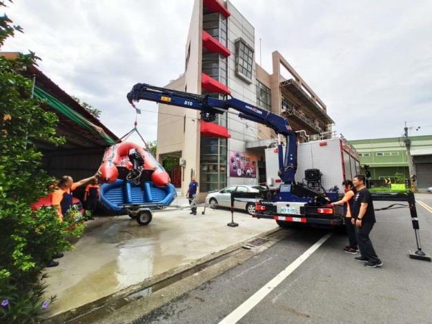 雲林縣消防局第一大隊斗南分隊辦理防溺、救災器材整備保養