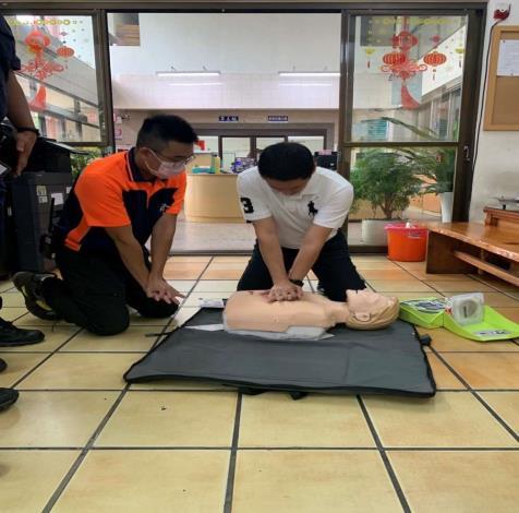 雲林縣消防局第二大隊虎尾分隊辦理虎尾派出所CPR AED救護宣導