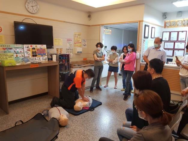 雲林縣消防局第二大隊西螺分隊辦理洗腎診所CPR AED教學