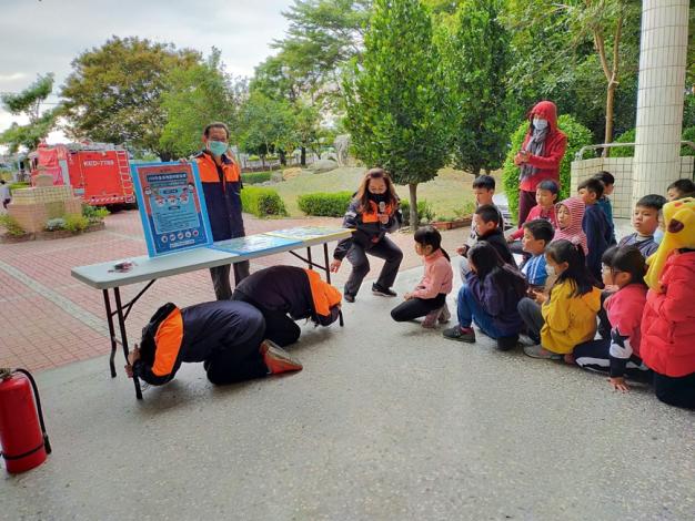 雲林縣消防局第二大隊虎尾分隊消防節防災宣導週-防震演練