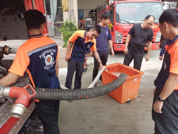 雲林縣消防局斗南消防分隊辦理汛期防救災工作整備及訓練-訓練過程