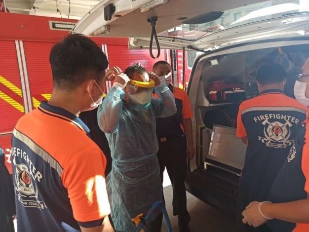 雲林縣消防局第一大隊斗南分隊辦理「防護衣穿脫及消毒流程」教育訓練-訓練過程